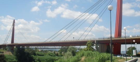 """Come funziona il """"cervellone"""" che monitora i ponti a Firenze"""
