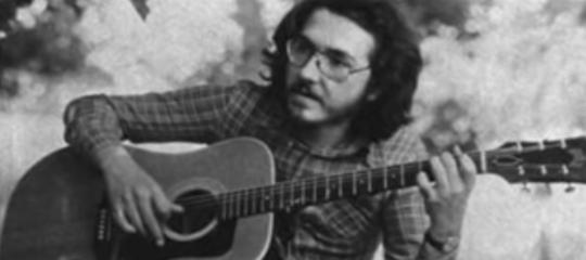 Addio alcantautore Claudio Lolli, il poeta del Movimento