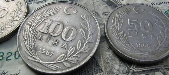 Turchia: lira guadagna 4% dopo crollo record di ieri