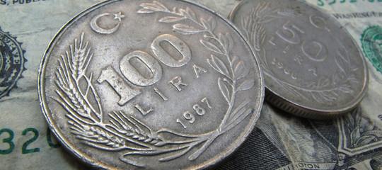 Turchia: lira torna a indebolirsi e va sopra 6 sul dollaro
