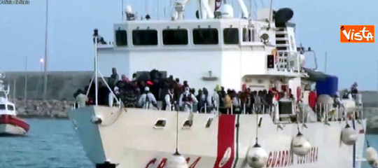 Scontro Italia-Malta sui migranti:Toninellichiede sanzioni Ue, La Valletta contrattacca