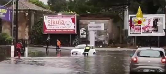 Maltempo: allagamenti a Catania e provincia, salvati automobilisti