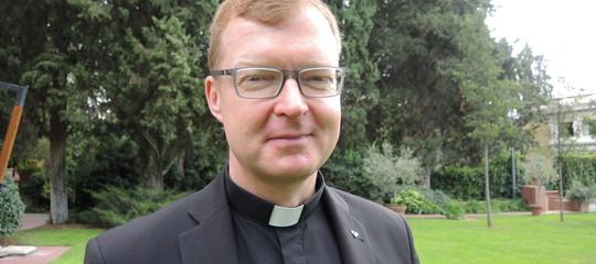Pedofilia: padre Zollner, fino al 2000 coinvolti 4-6 per cento preti