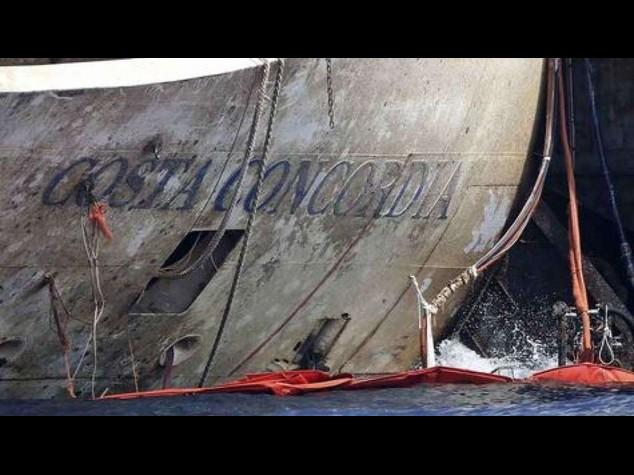 Notte di lavoro sulla Concordia, la nave partira' domani