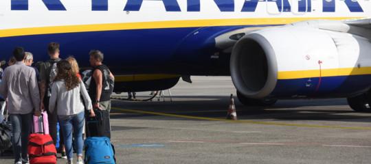 Ryanair: da novembre il bagaglio a mano si paga