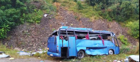 Si rovescia bus turistico in Bulgaria: 15 morti e 27 feriti