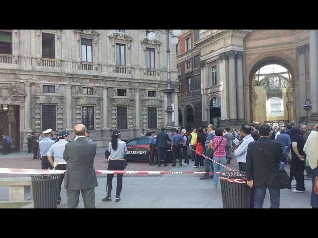 Milano: allarme bomba a Palazzo Marino, edificio evacuato