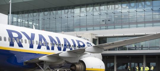 Ryanair: piloti italiani approvanoa larghissima maggioranza il contratto
