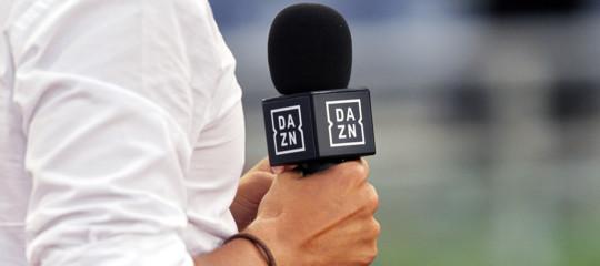 Calcio: l'Antitrust avvia istruttorie su Sky e Dazn