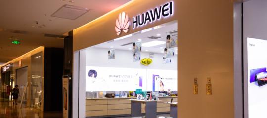 Smartphone: Huawei sorpassa Apple, è al secondo posto, sul podio Samsung