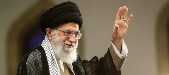 """Iran, Khamenei """"pronti a ritirarci dall'accordo sul nucleare se necessario"""""""