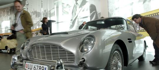 aston martin james bond 007