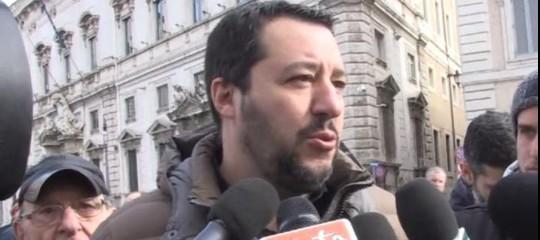 """Salvini replica a Macron: """"Non dia lezioni e spalanchi le frontiere"""""""
