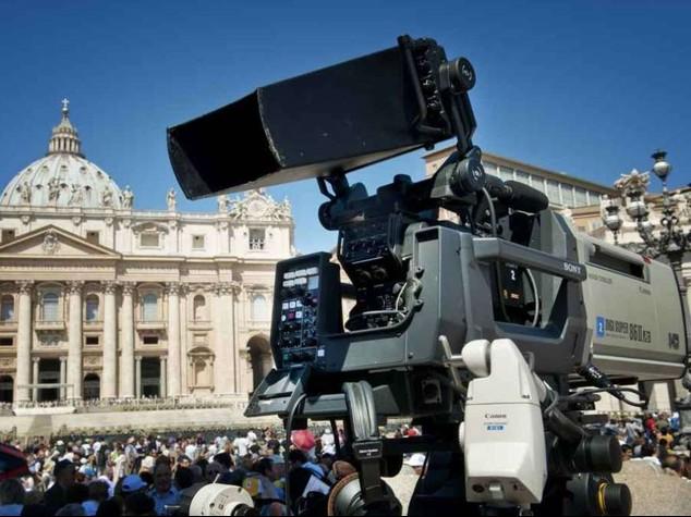 Agi and Reuters Partnership Agreement on Multimedia