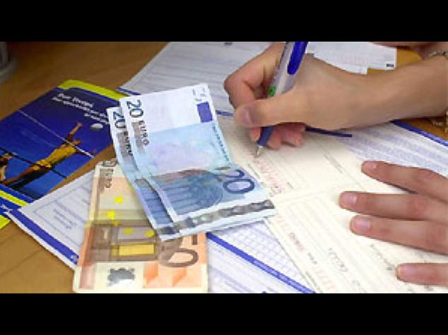 Bollette piu' care da ottobre: luce +1,7% e gas +5,4%; 21 euro in piu' a famiglia