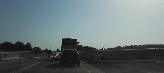 Reggio Calabria: stop ai mezzi pesanti sul ponteAllaroper l'abbassamento di due pile