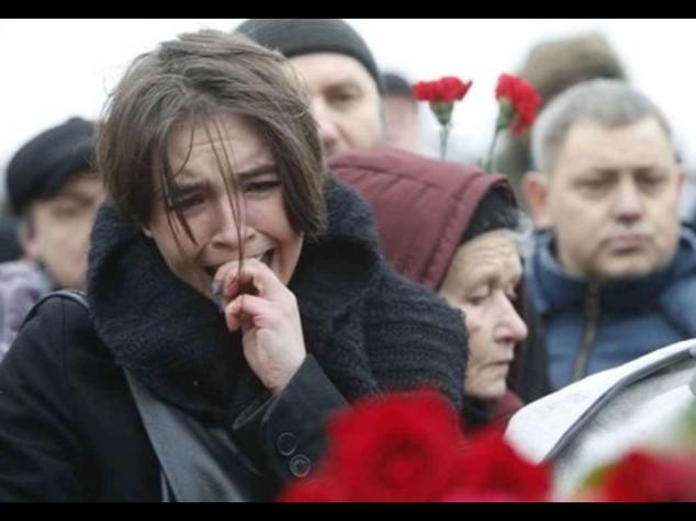 "Mosca, ""marcia contro la paura"" In 70mila piangono Nemtsov"