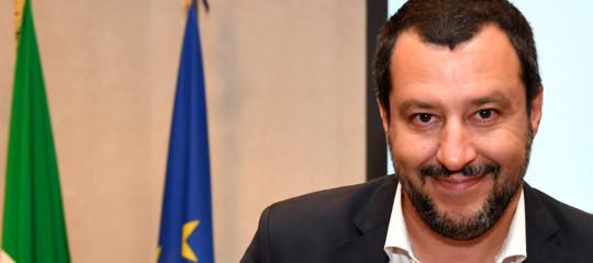È davvero così difficile (come dice Salvini) negare l'asilo politico a un richiedente?