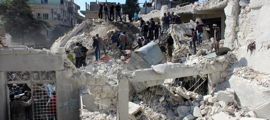 Siria: jet russi bombardano Idlib, almeno 3 civili uccisi