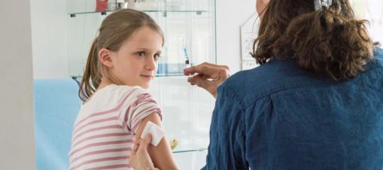 Vaccini: dietrofront della maggioranza, i bambini non immunizzati non entreranno in classe