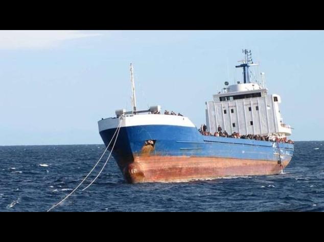 Naufragio nel Canale di Sicilia, 1  8 morti e 76 immigrati in salvo