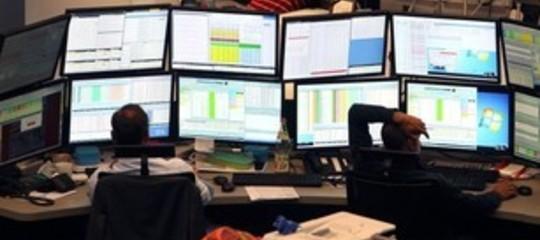 Borse europee aprono in calo; Milano stabile a +0,01%