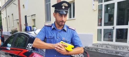 taser pistola elettronica salvini