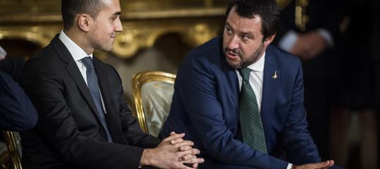 Il chiarimento tra Salvini e Di Maio dopo l'attacco alla magistratura del leader leghista