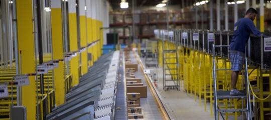Amazonha brevettato una gabbia per i dipendenti, ma poi ci ha ripensato