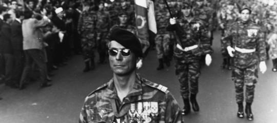 Macronstrappa il velo sulla sporca guerra d'Algeria: torture, stupri e violenze