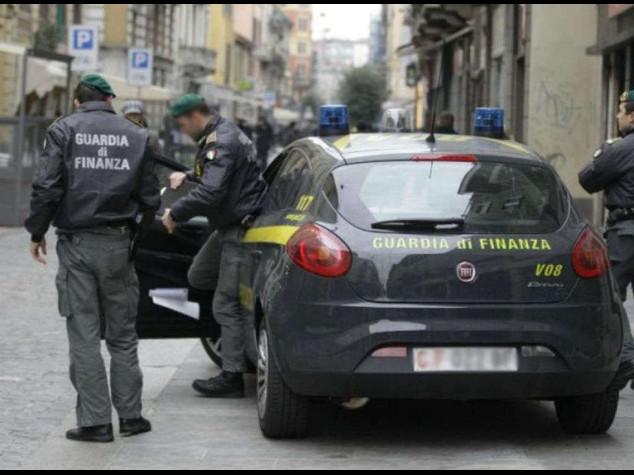 Mafia a Roma: maxi truffa alla Marina militare, 6 arresti