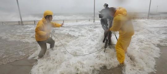 Il tifoneMangkhutha fatto 25 morti nelle Filippine, ora punta il sud della Cina