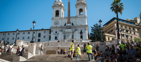 Fiamme in hotel a piazza di Spagna a Roma, nessun ferito