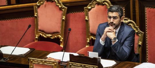 Fraccaro ha presentato il disegno di legge per ridurre il for Parlamentari numero
