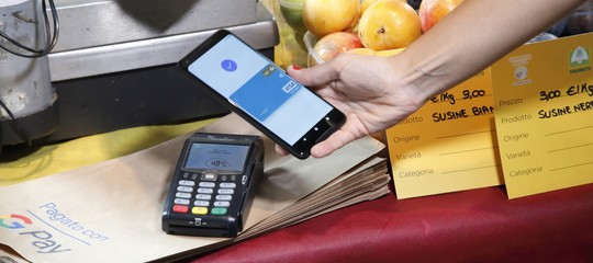 Google Pay in Italia: come funzione e quali sono le differenze con Apple e Samsung
