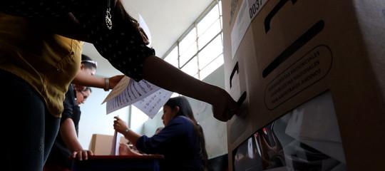 Lenin sfida Hitler alle elezioni della piccola città diYungar, in Perù