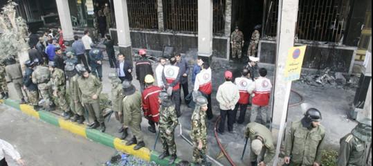 Iran: attentato a parata militare nel sud-ovest, commando armato fa strage