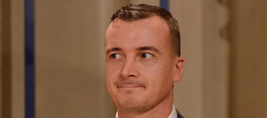 Rocco Casalino ha annunciato vendetta contro i tecnici di Tria. Cosa dicono Conte, Salvini e Di Maio