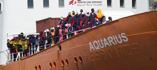 Migranti:Aquarius, maltempo ritarda trasbordo per sbarco a Malta