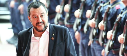 """""""Mi piacerebbe anche abolire il cattivo tempo e i pareggi del Milan ma purtroppo con decreto non ci riesco"""", dice Salvini"""