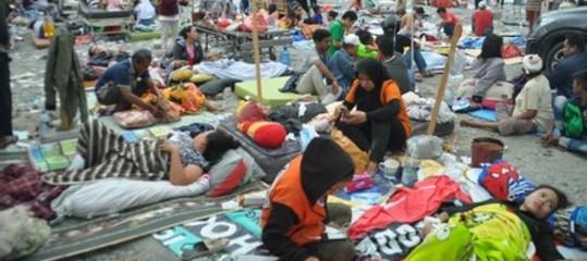 Sale ancora il numero delle vittime dello tsunaminell'isola di Sulawesi in Indonesia