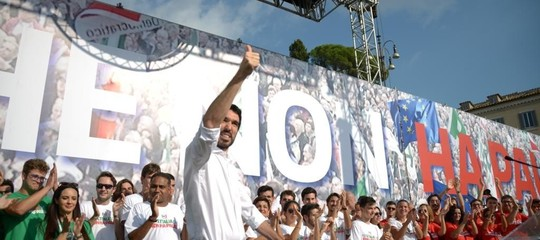 In 70.000 in piazza hanno chiesto unità al Pd. Dove le divisioni restano