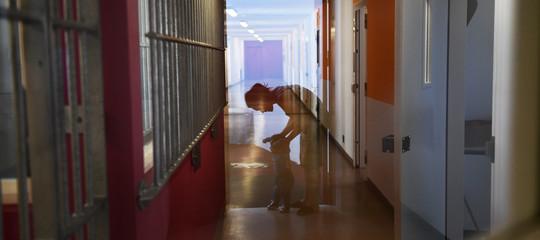 Una madre racconta cosa vuol dire crescere un figlio in carcere