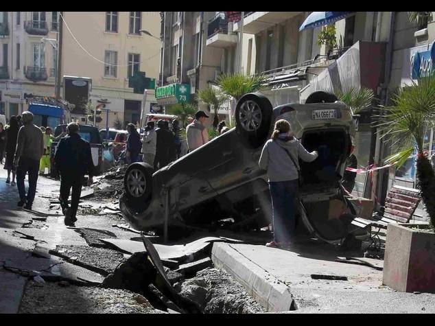 Tempesta in Costa Azzurra Almeno 16 morti e 3 dispersi