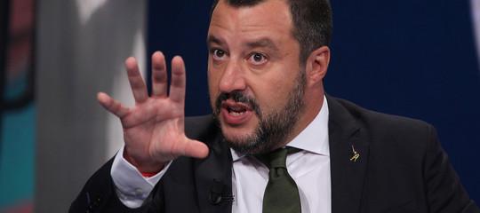 """""""Spero non raccoglieranno macerie"""". """"L'Europa è già in macerie"""". Nuovo scontro Salvini - Junker"""