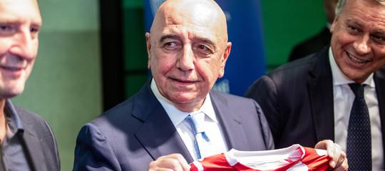 Berlusconi spiega come dovranno portare i capelli i calciatori del Monza
