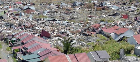 Terremoto in Indonesia: almeno 5 mila persone mancano all'appello (1.763 le vittime)
