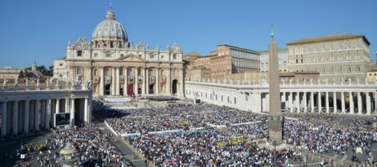 """Vaticano, il Prefetto per i vescovi boccia le accuseViganòal Papa: """"Montatura politica"""""""