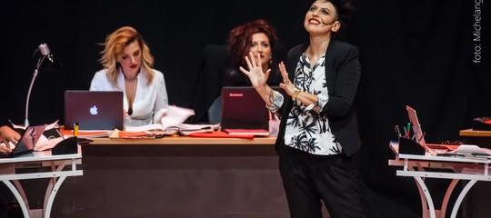 La discriminazione di genere nelle redazioni giornalistiche finisce a teatro