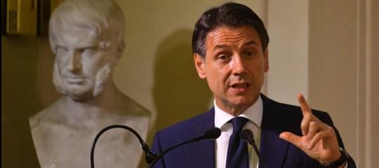 Manovra Giuseppe Conte Giovanni Tria